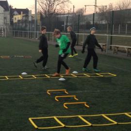 Koordináció és erősítés szerepe a labdarúgásban